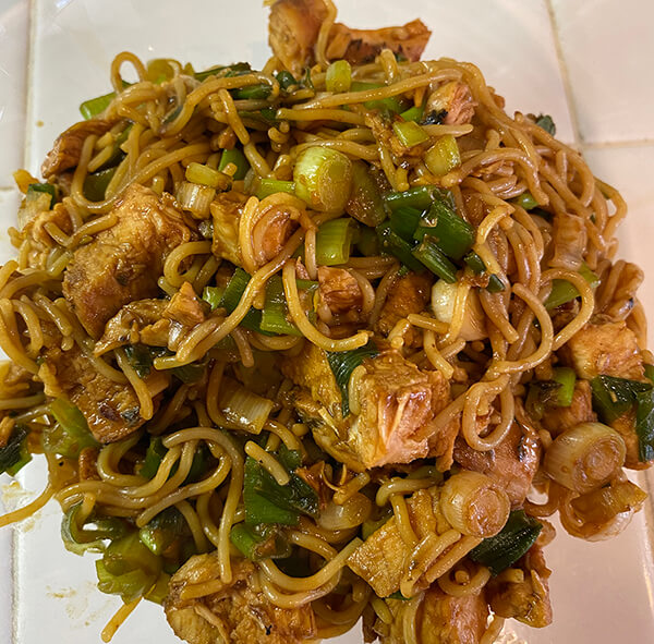 hoison noodles with Scallions and Garlic