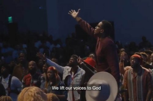 We Lift Our Voices to God - Choir singing